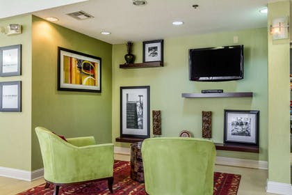 Lobby | Hampton Inn Jackson/Pearl-Jackson International Airport