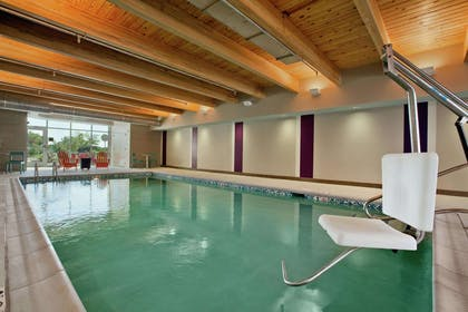 Pool | Home2 Suites by Hilton Jacksonville, NC