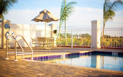 Pool | Hampton Inn & Suites Lake Wales
