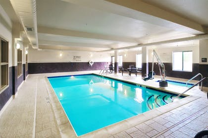 Pool | Hampton Inn Laramie