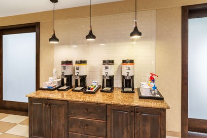 Restaurant | Hampton Inn Laramie