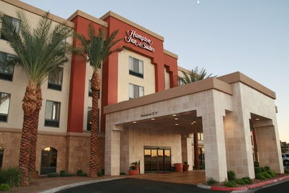 Exterior | Hampton Inn & Suites Las Vegas South