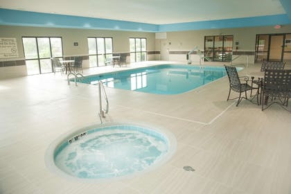 Pool | Hampton Inn North Platte