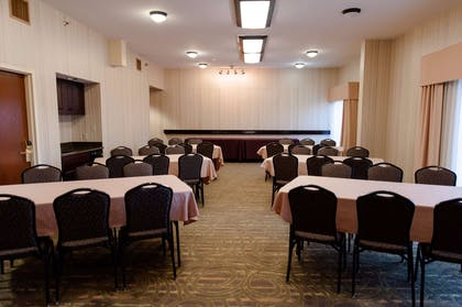 Meeting Room | Hampton Inn North Platte