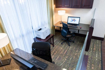 Business Center | Hampton Inn North Platte