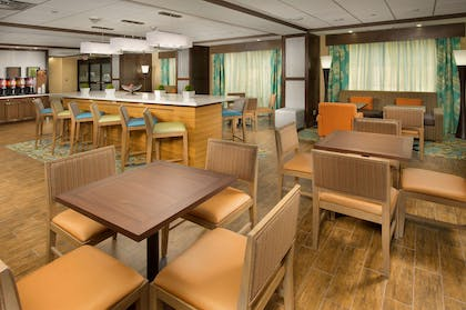 Restaurant | Hampton Inn Lake Charles
