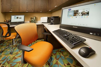 Business Center | Hampton Inn Lake Charles