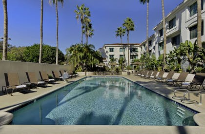 Pool | DoubleTree by Hilton San Pedro - Port of Los Angeles