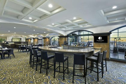 BarLounge | DoubleTree by Hilton San Pedro - Port of Los Angeles