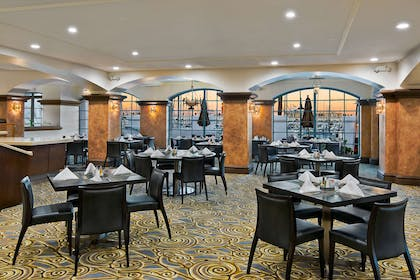 Restaurant | DoubleTree by Hilton San Pedro - Port of Los Angeles