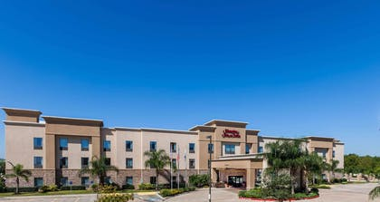 Exterior | Hampton Inn & Suites Lake Jackson-Clute