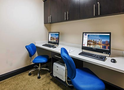 Business Center | Hampton Inn & Suites Lake Jackson-Clute