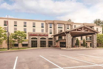 Exterior | Hampton Inn & Suites Lake George