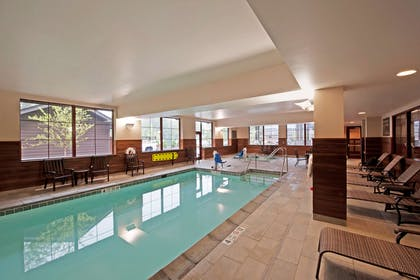 Pool | Hampton Inn & Suites Lake Placid
