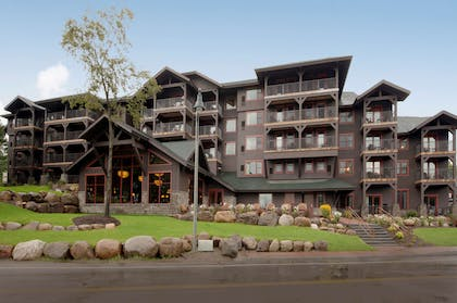 Exterior | Hampton Inn & Suites Lake Placid