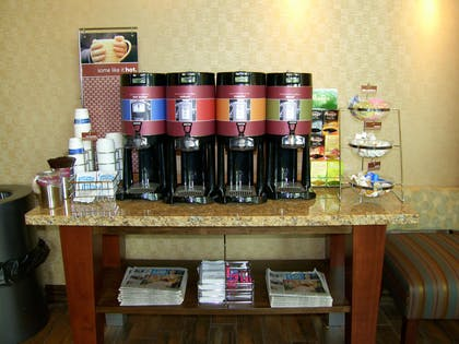Restaurant | Hampton Inn & Suites Lincoln - Northeast I-80