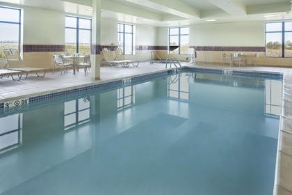 Pool | Hampton Inn & Suites Lincoln - Northeast I-80