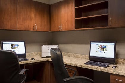Business Center | Hampton Inn & Suites Lincoln - Northeast I-80