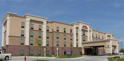 Exterior | Hampton Inn & Suites Lincoln - Northeast I-80