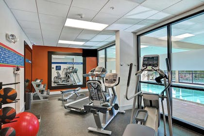 Health club | Hampton Inn Lewisburg