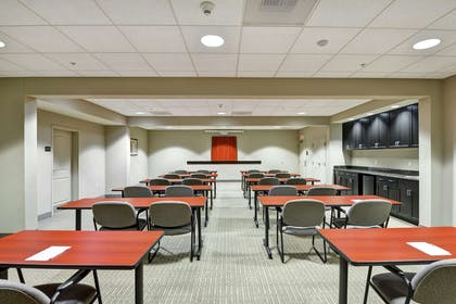 Meeting Room | Hampton Inn Lewisburg
