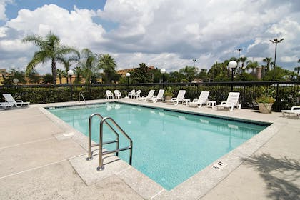 Pool | Hampton Inn & Suites Orlando Intl Dr N