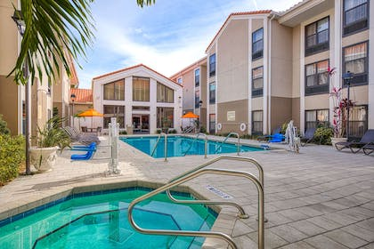 Pool | Hampton Inn & Suites Orlando/East UCF Area
