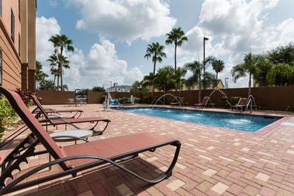 Pool | Hampton Inn & Suites Pharr
