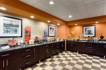 Restaurant | Hampton Inn & Suites Pharr