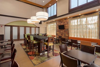 Lobby | Hampton Inn & Suites Pharr