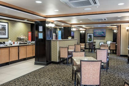 Restaurant | Hampton Inn & Suites Montgomery-Downtown