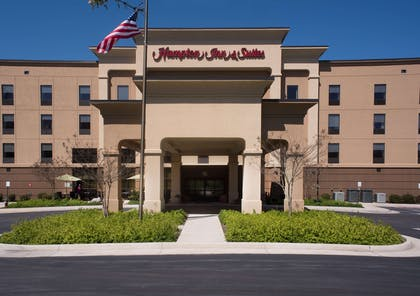 Exterior | Hampton Inn & Suites Woodstock, VA
