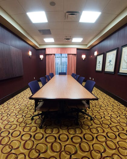 Meeting Room | Hampton Inn & Suites Woodstock, VA