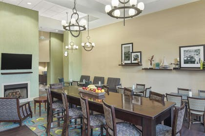 Lobby | Hampton Inn Fairhope-Mobile Bay