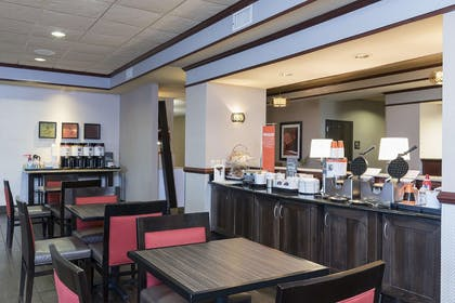 Restaurant | Hampton Inn Mt. Pleasant