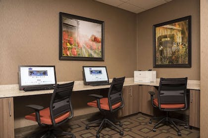 Business Center | Hampton Inn Mt. Pleasant
