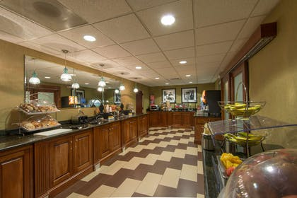 Restaurant | Hampton Inn Mount Airy