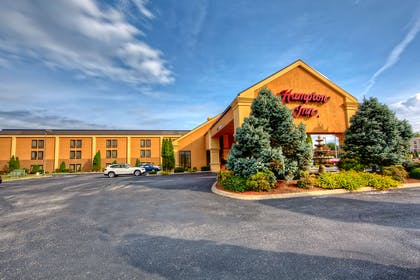 Exterior | Hampton Inn Morristown