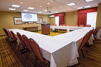 Meeting Room | Hampton Inn & Suites Jacksonville