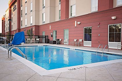 Pool | Hampton Inn & Suites Jacksonville