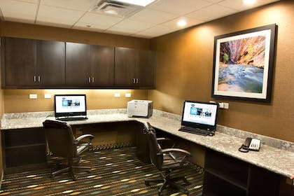 Business Center | Hampton Inn & Suites Salt Lake City/Farmington
