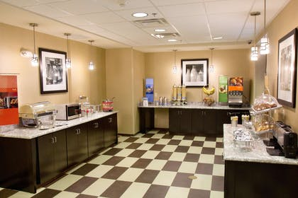 Restaurant | Hampton Inn & Suites Salt Lake City/Farmington
