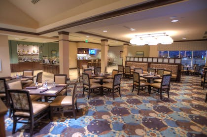 Restaurant | Hilton Garden Inn Omaha East/Council Bluffs