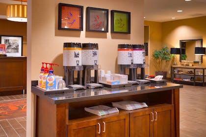 Restaurant | Hampton Inn Omaha/West Dodge Road