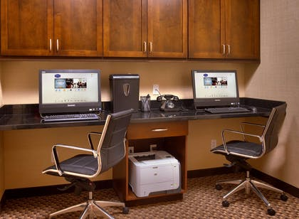 Business Center | Hampton Inn Omaha/West Dodge Road