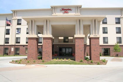 Exterior | Hampton Inn Omaha West-Lakeside