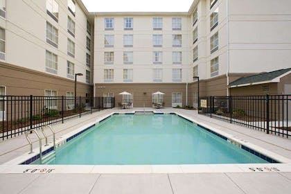 Pool | Homewood Suites by Hilton Chesapeake - Greenbrier
