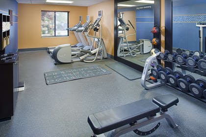 Health club | Hampton Inn & Suites Lancaster
