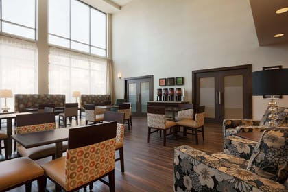 Restaurant | Hampton Inn & Suites Portland/Hillsboro-Evergreen Park, OR