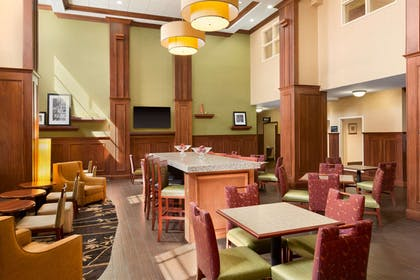 Restaurant | Hampton Inn & Suites Williamsburg Historic District